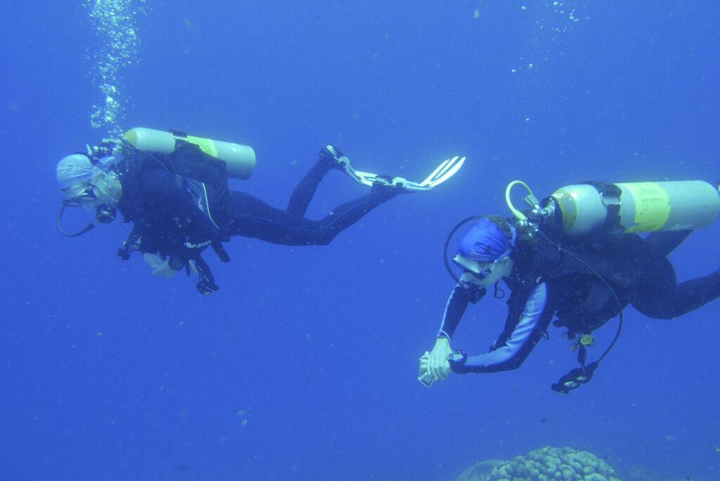 Suus en Es Buddies in Bonaire eb lid DiveForce Duikclub